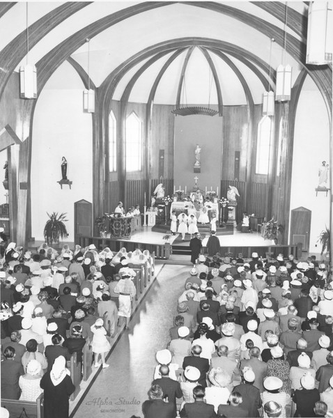 Wnętrze Kościoła, 1960